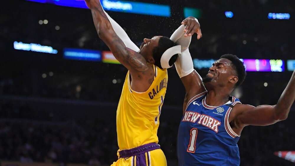 Bobby Portis was assessed with a flagrant foul on Kentavious Caldwell-Pope during a Knicks-Lakers regular season game. (Photo via ESPN)