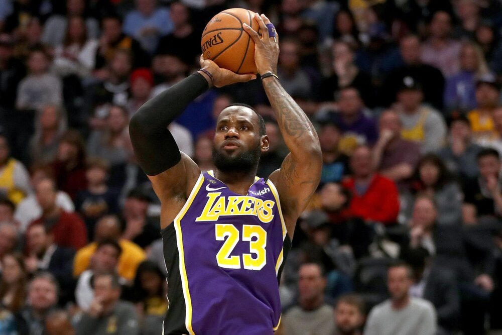 LeBron James drained four triples in the Lakers' win over the Rockets. (Photo via Hoops Habit)