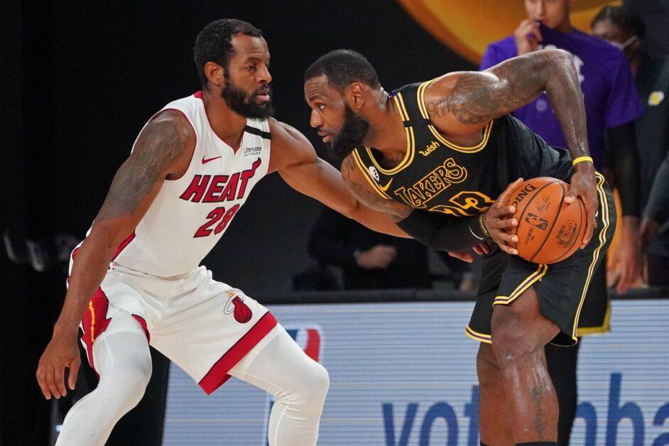 LeBron James against Andre Iguodala (Photo by Jesse D. Garrabrant/NBAE via Getty Images)